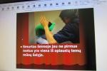 SMURTAS PRIEŠ MOTERIS