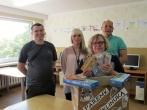 Pusiaukelės namų poskyrio gyventojų dovana vaikų dienos centrui