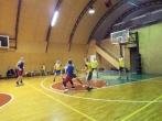 Įstaigos auklėtinių ir Vytauto Didžiojo universiteto krepšinio komandų susitikimas sporto aikštelėje